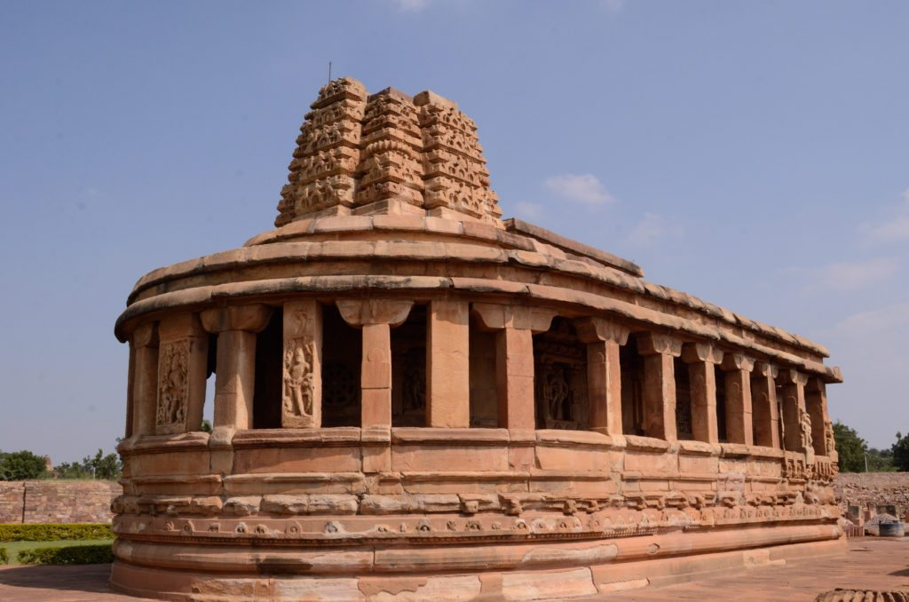 Temples of Aihole, photo of temples in Aihole, photo of Durga Temple in Aihole