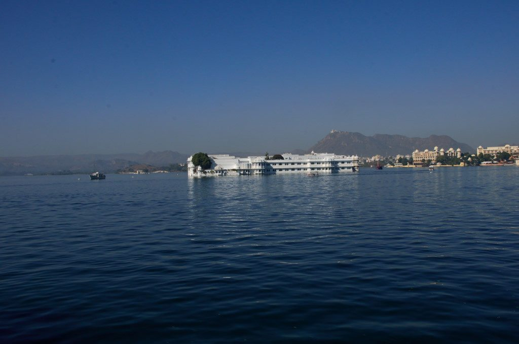 udaipur-lakes-lake-pichola, holiday in Udaipur