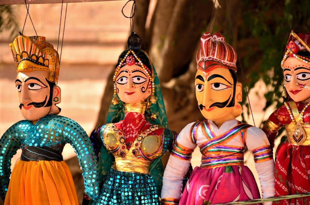 From puppets to ghosts ? Stories from the road in Rajasthan